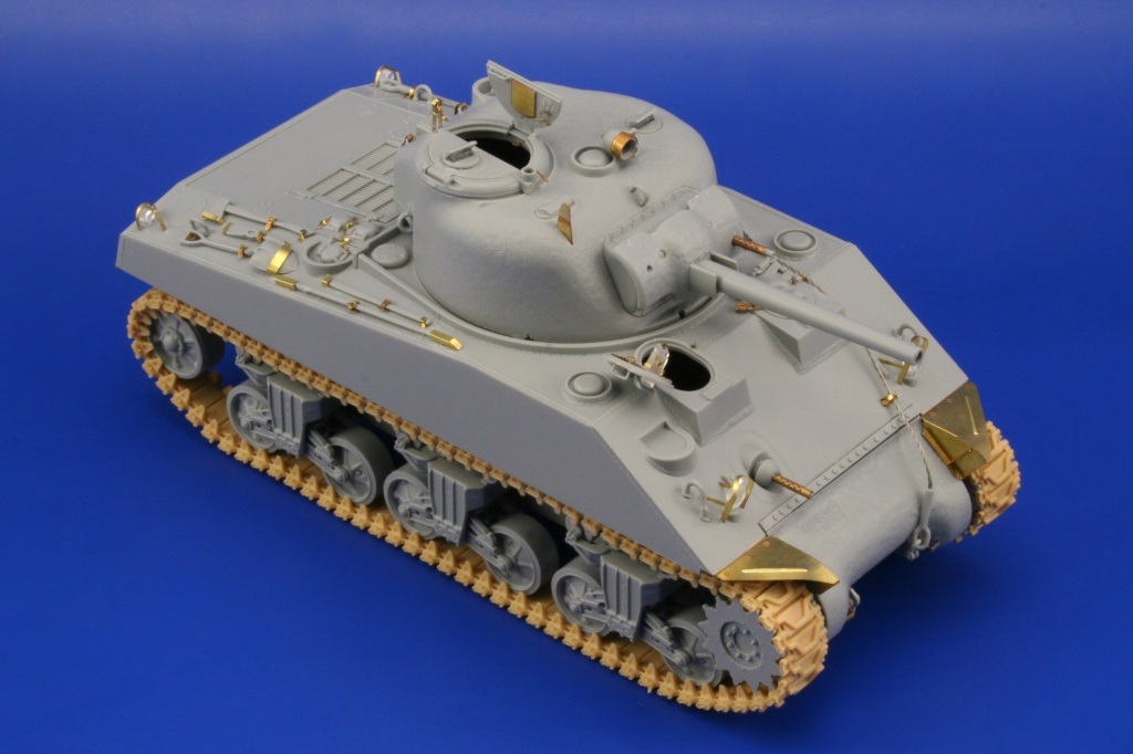 M-4A2 Sherman Tarawa 1/35 - Dragon